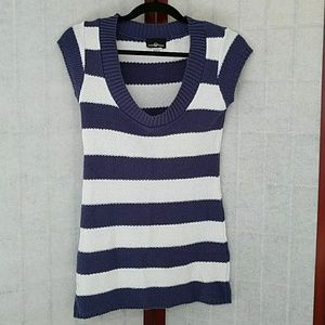 NWOT Blue and white striped tunic sweater. Size M.